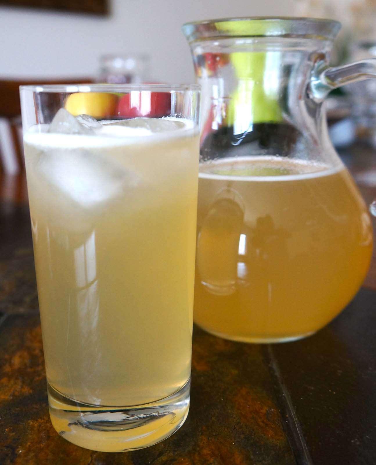 Fresh Vanilla Lemonade, a Caribbean way