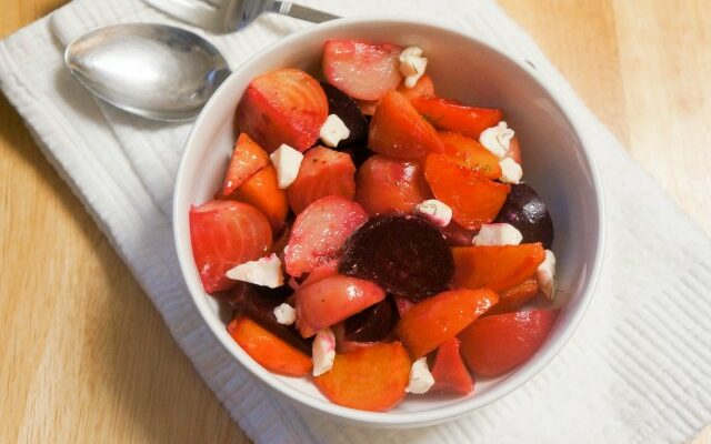 beetroots salad with cheese