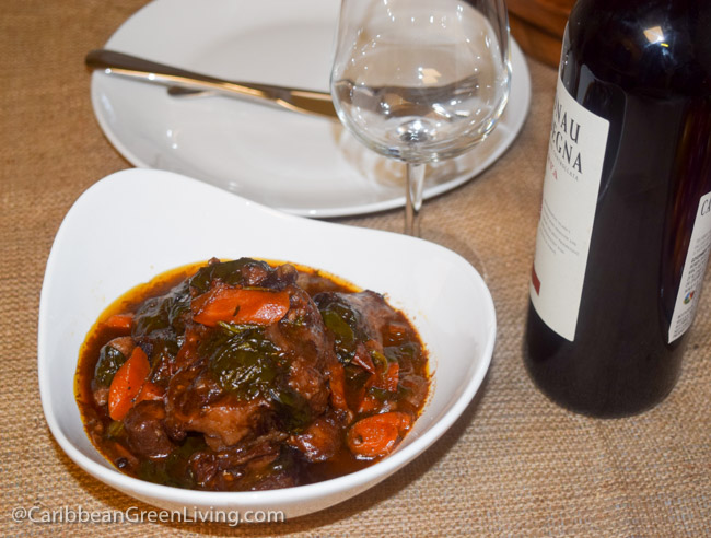 Tasty and Delicious Red Wine Braised Oxtail