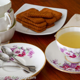 Lemongrass and Ginger Tea with Cookies 1
