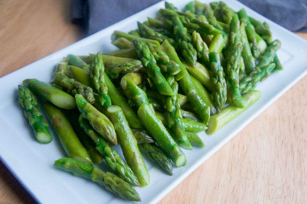 Spicy and Tangy Sauteed Asparagus Recipe