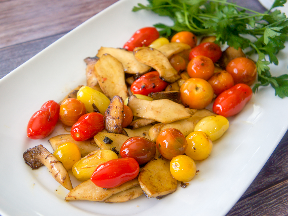 Easy Pan Roasted Mushroom and Tomatoes