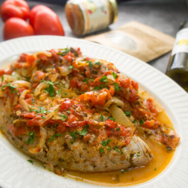 Red Snapper in Fresh and Spicy Tomato Sauce