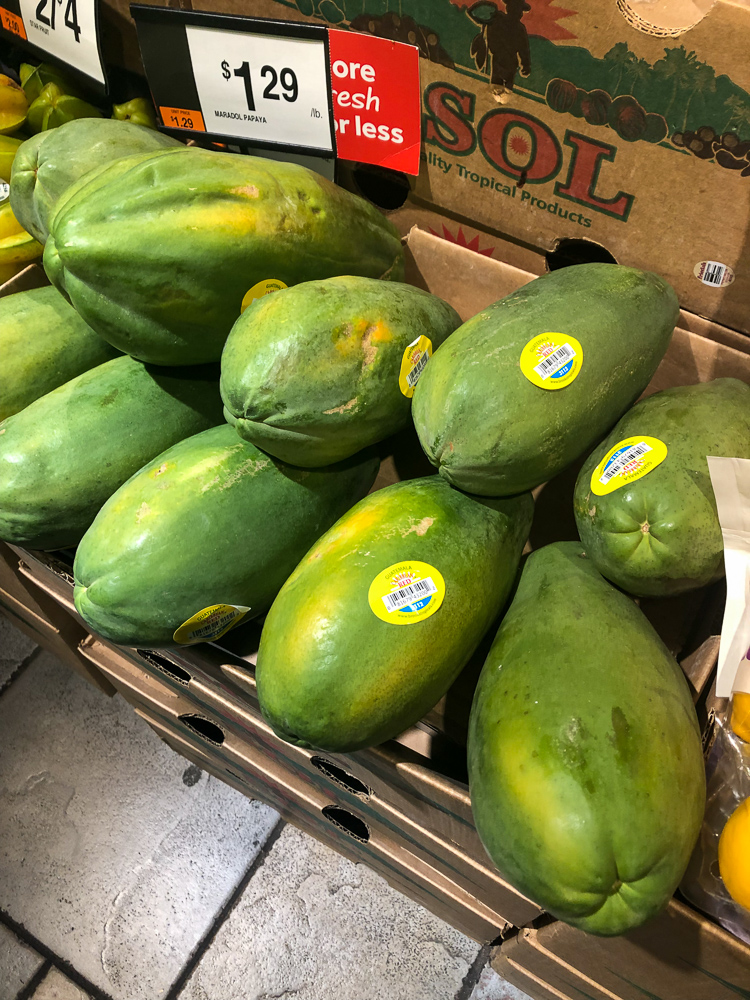 Papaya in market