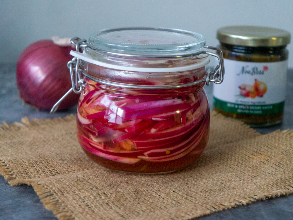 pickled onions with noubess