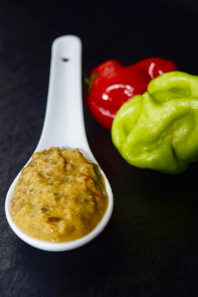 Hot sauce on spoon png 1