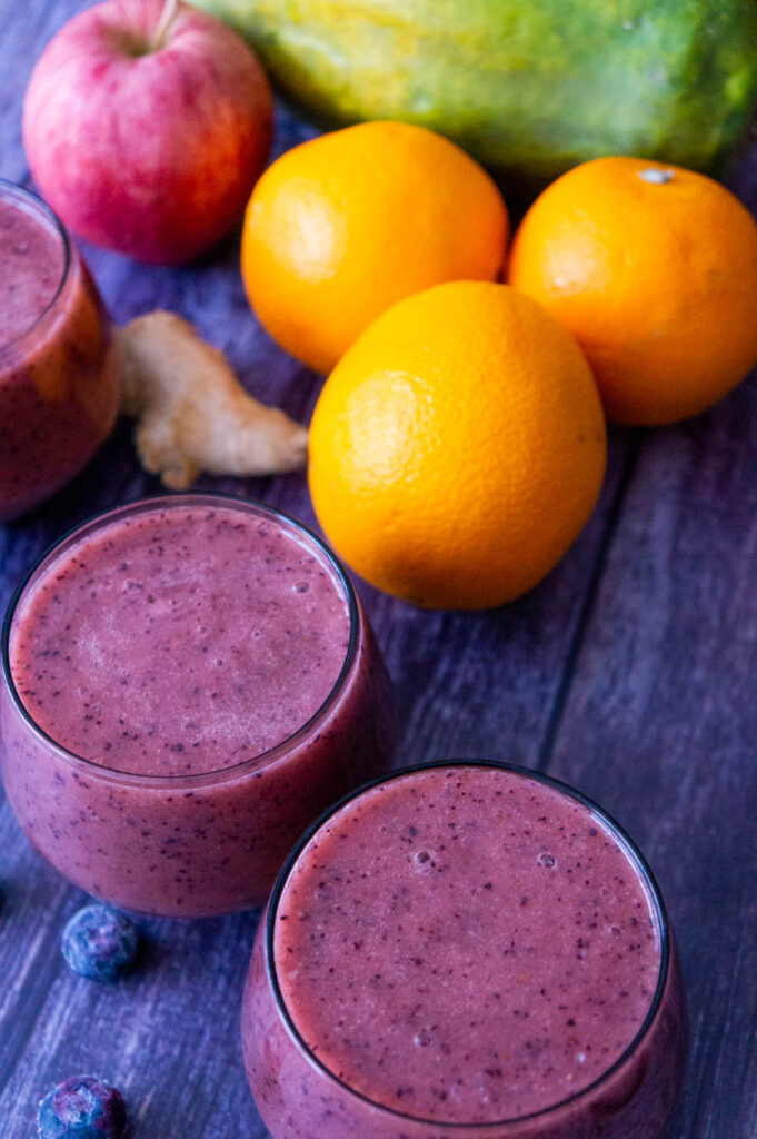 Papaya, Oranges, Blueberries and Apple Smoothie