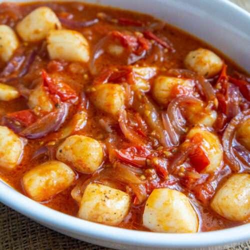 Scallops in Tomato Sauce