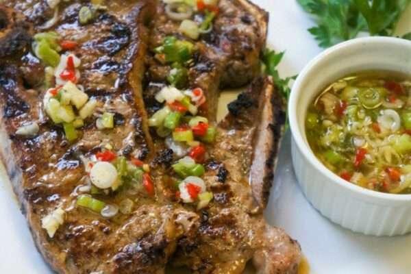 Steak with scallions vinaigrette