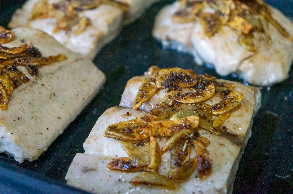 mahi-mahi with garlic chips